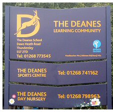 Deanes School sign